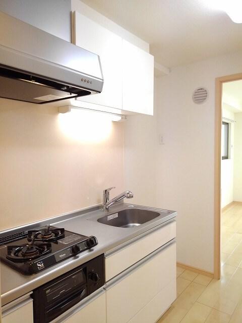 ヴィオラ プリート 03010号室のキッチン