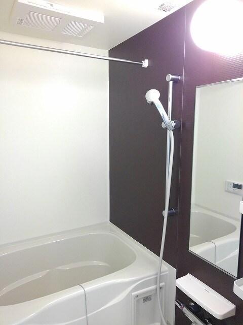 ヴィオラ プリート 03010号室の風呂