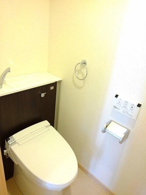 ヴィオラ プリート 03010号室のトイレ