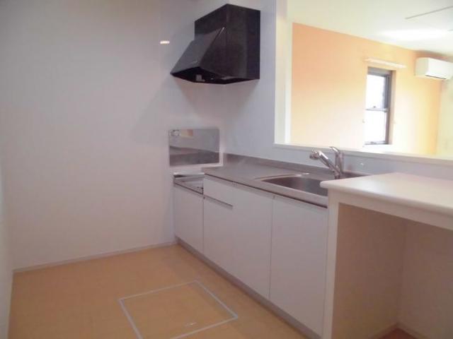 ピュアリアンハイツ C 01010号室のキッチン