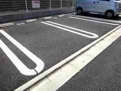 ライフシティ スカイ 01040号室の駐車場