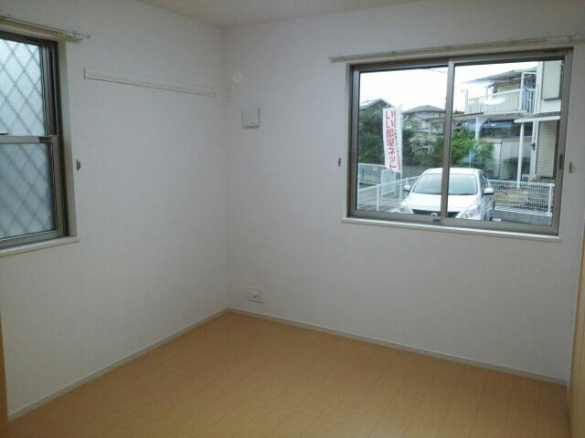 アパートメントこころ 01010号室の居室