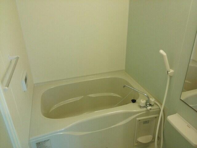 アパートメントこころ 01010号室の風呂