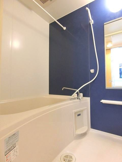 アンジュ・パッセA 01030号室の風呂