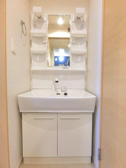 アンジュ・パッセA 01030号室の洗面所