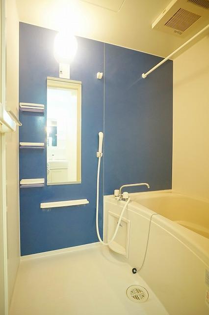 アンジュ・パッセA 02010号室の風呂