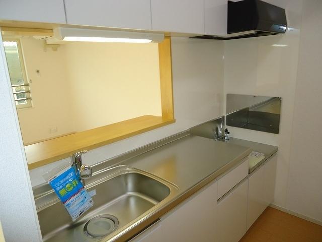 Viola弐番館 205号室のキッチン