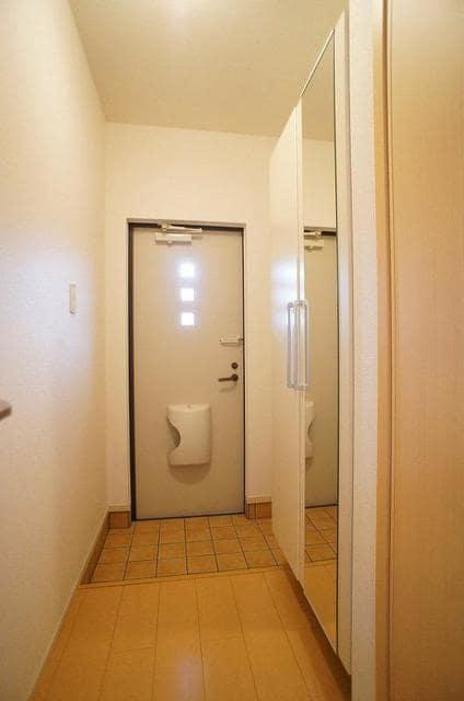 RI BIN 01040号室の居室