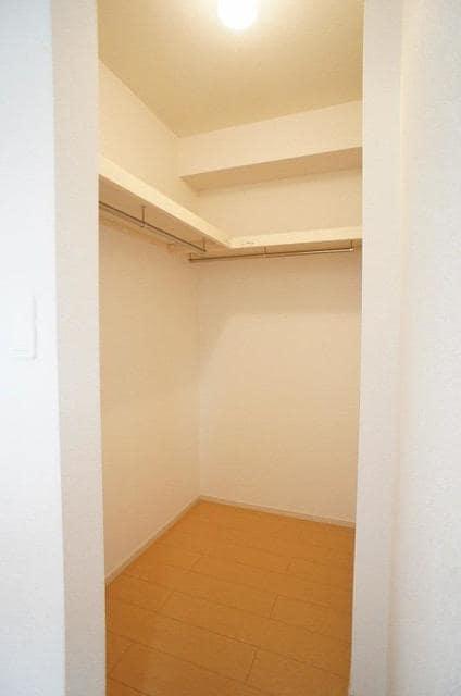 RI BIN 01040号室の洗面所