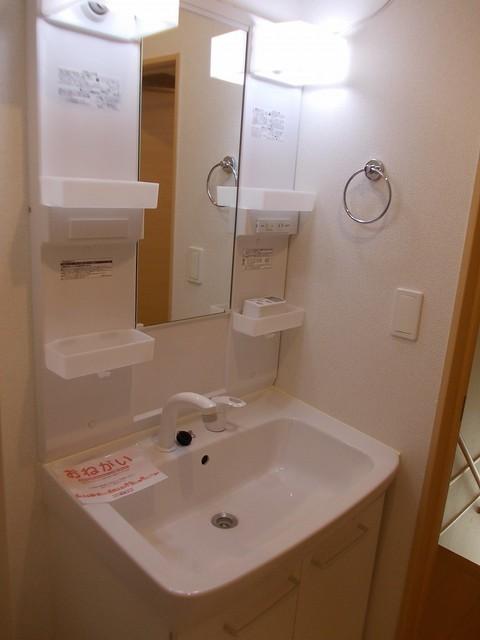 コーポ勢多Ⅷ番館 201号室の洗面所