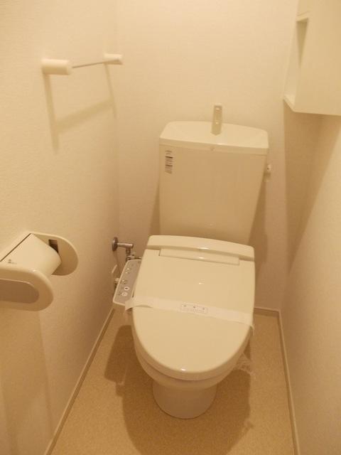コーポ勢多Ⅷ番館 201号室のトイレ