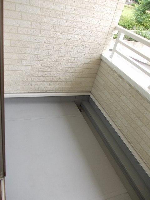 コーポ勢多Ⅷ番館 201号室のバルコニー