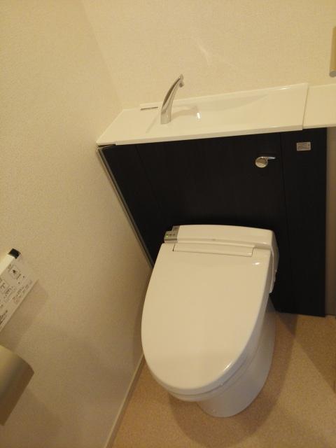 パークサイドK 02070号室のトイレ