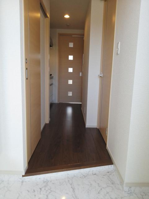 パークサイドK 02070号室の玄関