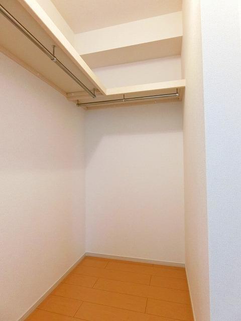 フルール ベルジェB 01030号室の収納