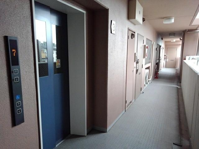 京悠館 305号室のロビー