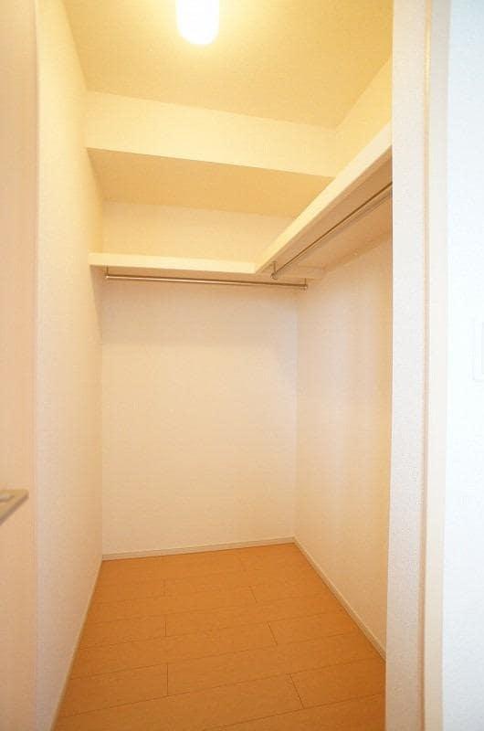 ロゼ MⅠ 02010号室の収納