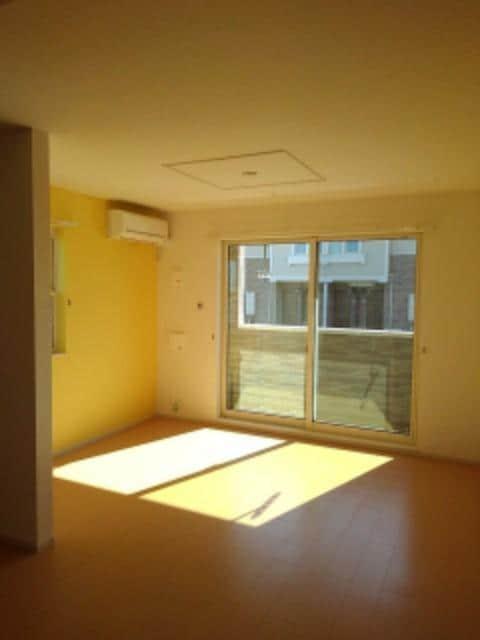 ルミエールⅢ 104号室のリビング