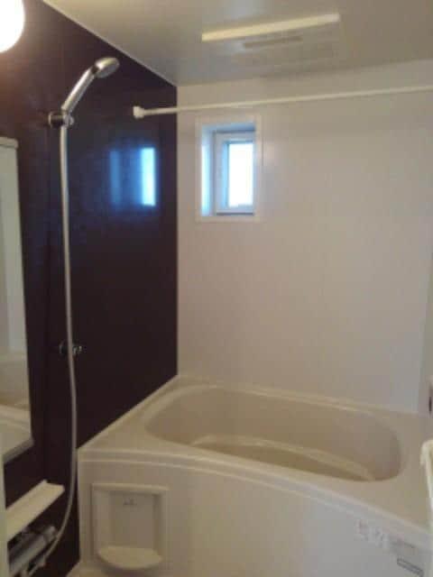 ルミエールⅢ 104号室の風呂
