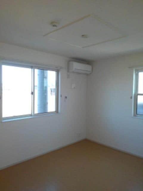 ルミエールⅢ 104号室の収納