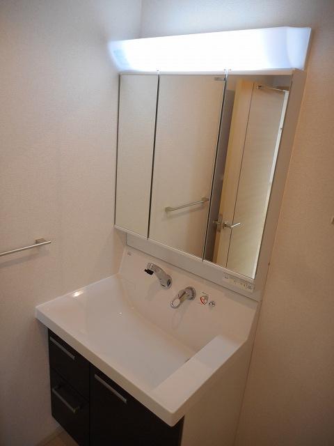 パレス アムールⅡ 408号室の洗面所