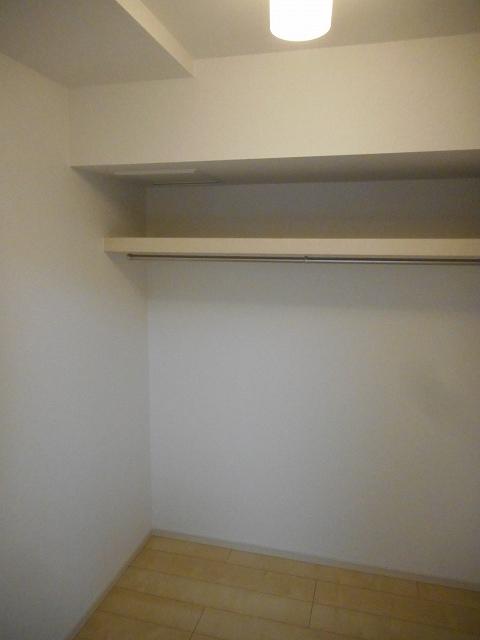 パレス アムールⅡ 408号室の収納