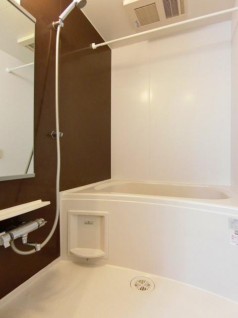 ネロミロスB 02020号室の風呂