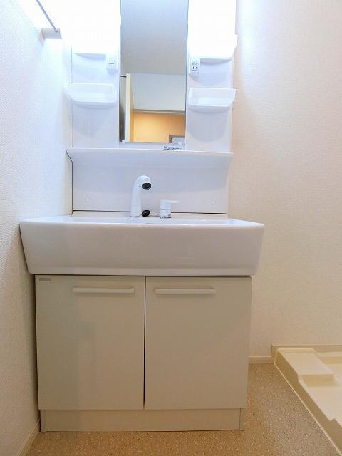 ネロミロスB 02020号室の洗面所