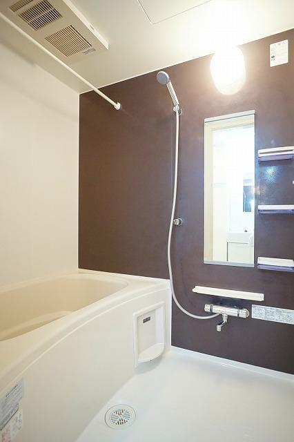 ネロミロスC 02020号室の居室