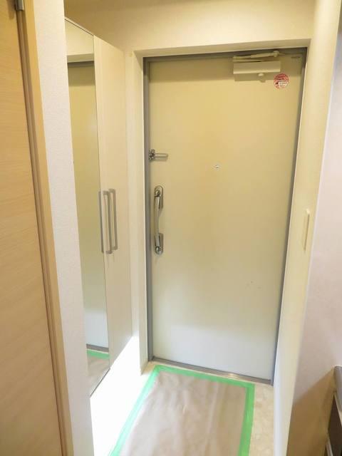 チェリーテラス 205号室の玄関