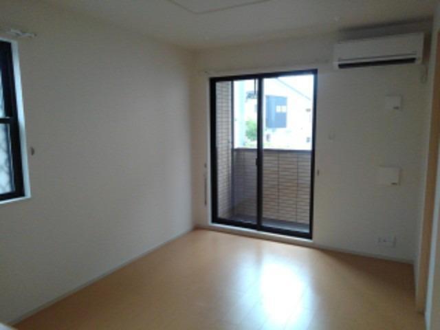 ショコラA 01020号室のリビング