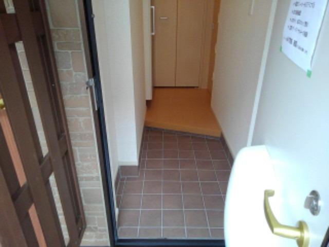 ショコラA 01020号室の玄関