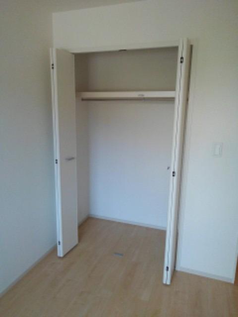 ラ ヴィータ ローザⅠ 01010号室の収納