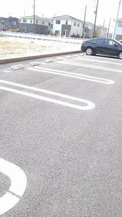フィオーレ プリート Ⅰ 02020号室の駐車場