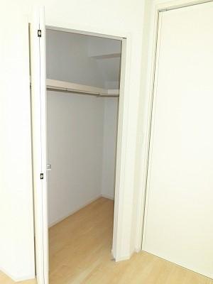 エリーサB 01010号室の収納