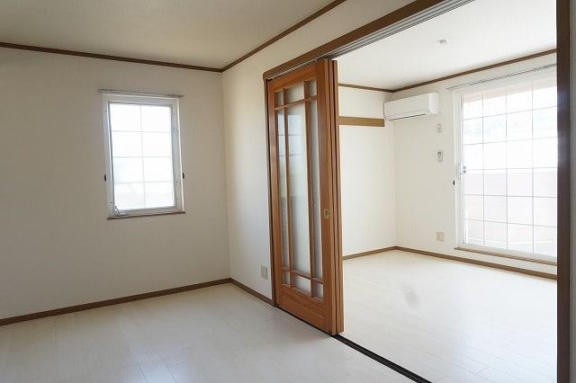 ファインローゼ ミヤベ 02010号室のリビング