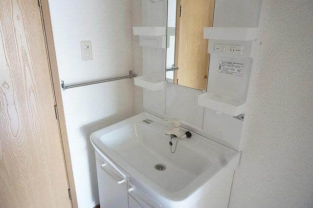 ファインローゼ ミヤベ 02010号室の洗面所