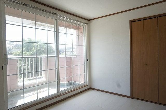 ファインローゼ ミヤベ 02010号室の居室