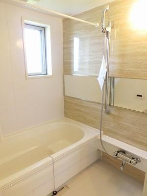 レガート春日Ⅰ 02010号室の風呂