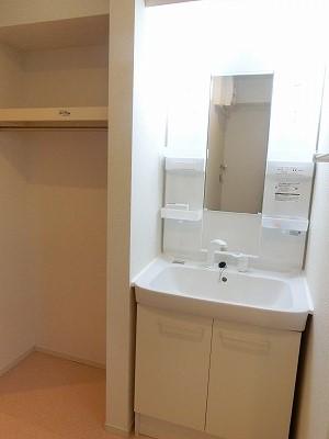 レガート春日Ⅰ 02010号室の洗面所