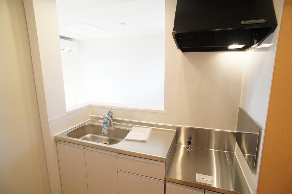 サニー・サイド 02010号室のキッチン