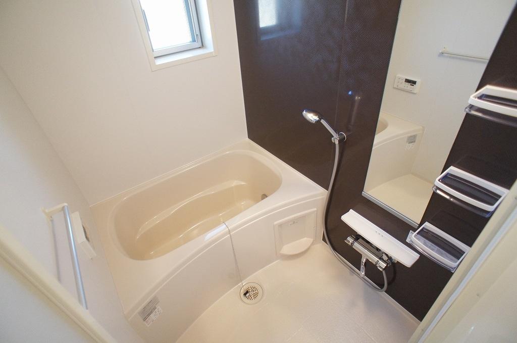 サニー・サイド 02010号室の風呂