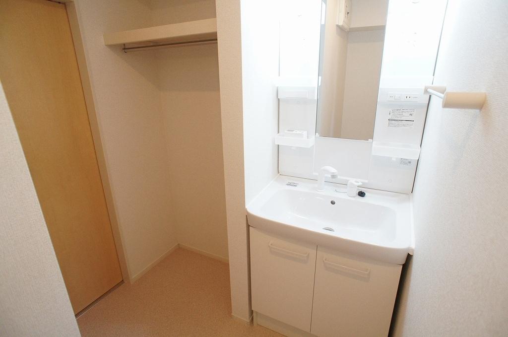 サニー・サイド 02010号室の洗面所