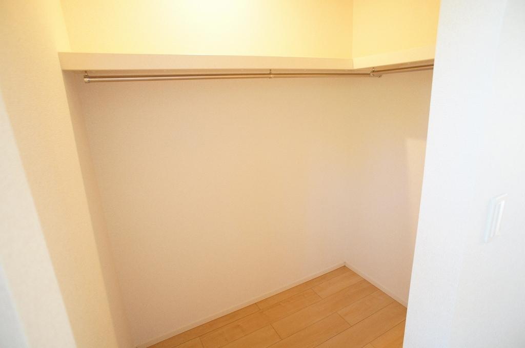 サニー・サイド 02010号室の収納
