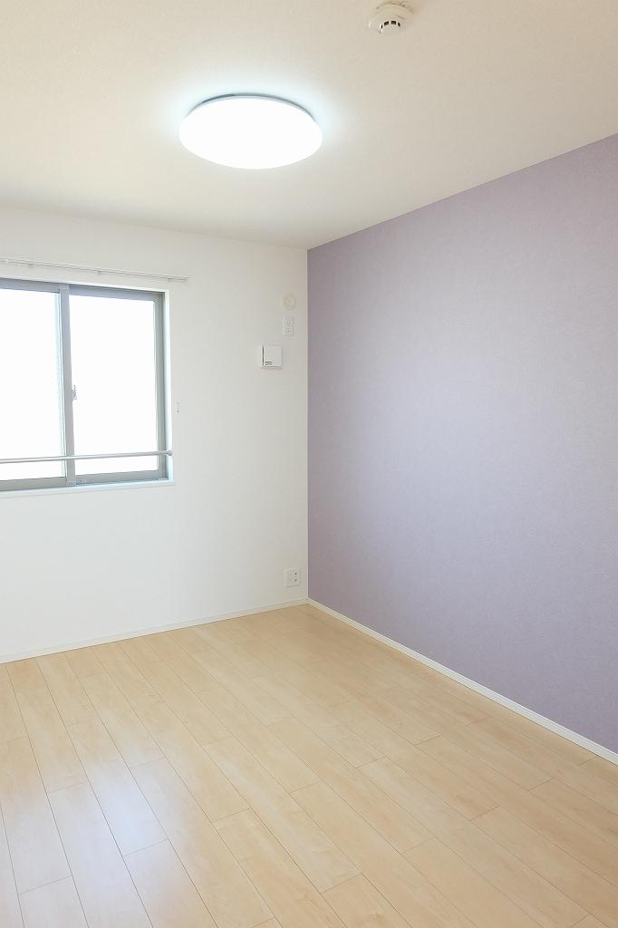 サン シャイン 202号室の居室