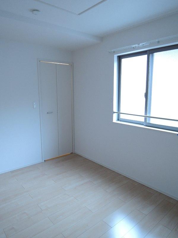 ライジングサンⅡ 203号室の居室