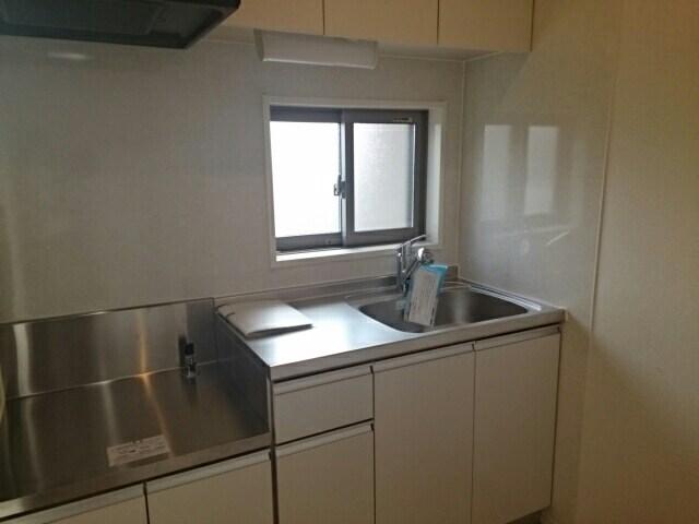 レ ミュー 02020号室のキッチン