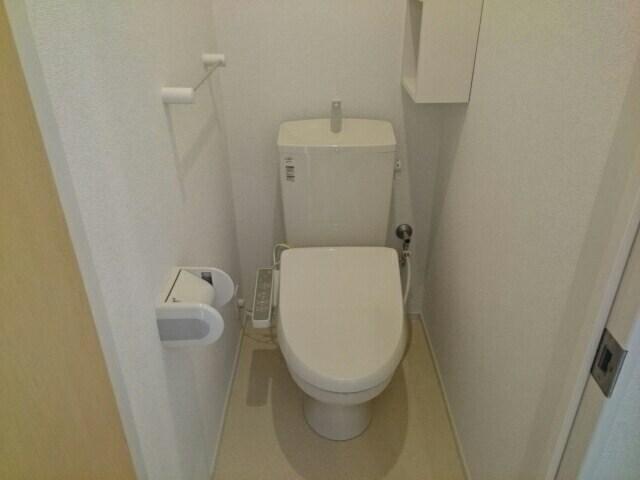 レ ミュー 02020号室のトイレ