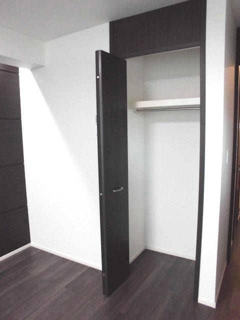ヴェルファイア 01010号室の洗面所