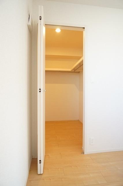 グラン・シャリオ シャトー B 02010号室の収納